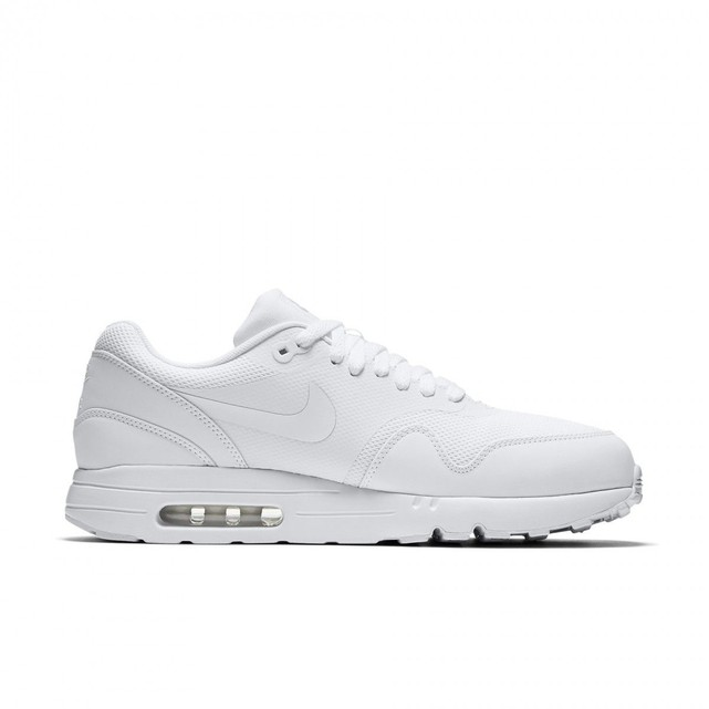 design de qualité cda97 fe551 basket nike air max essential